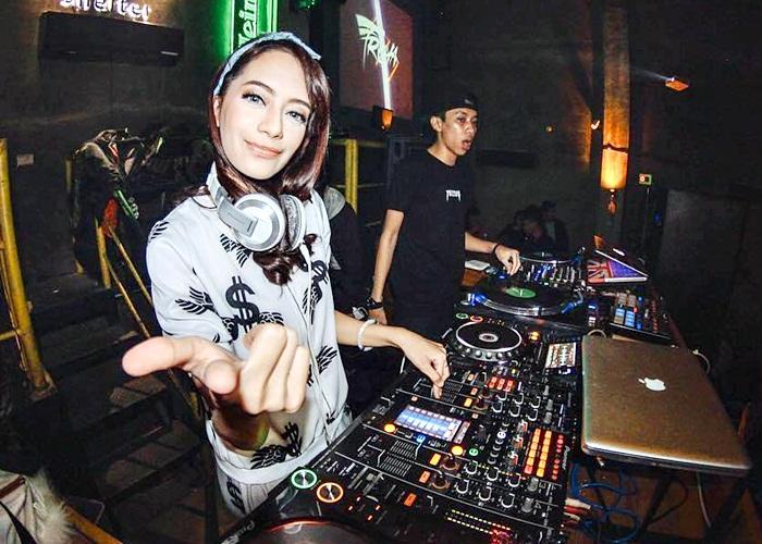 DJ Freya Bakal Panaskan Party Musro The Sunan Hotel