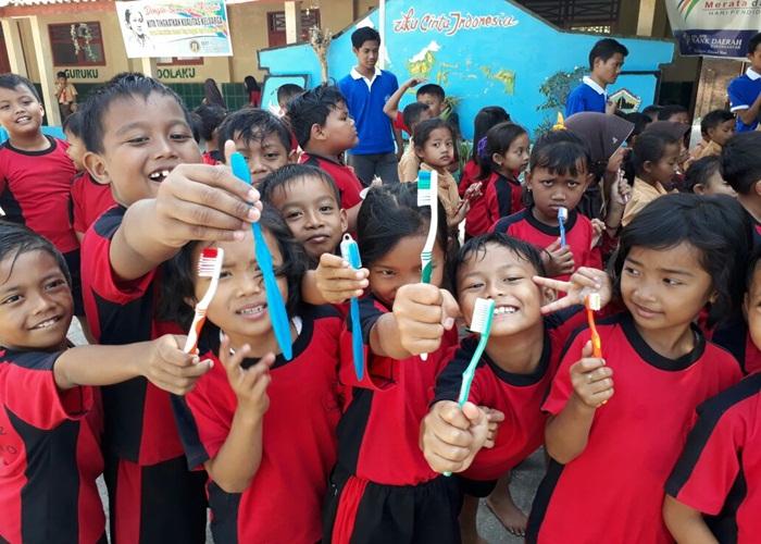 KKN Unisri Gelar Gerakan Gosok Gigi Sehat Secara Masal
