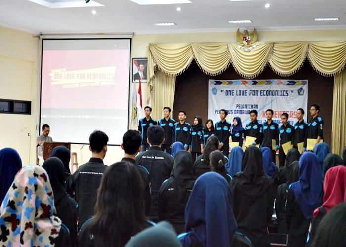 Pelantikan Ormawa FE Unisri Periode 2017/2018