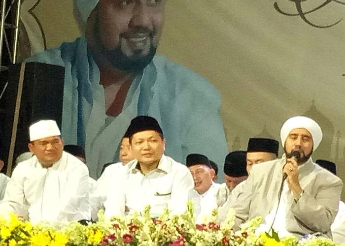 Habib Syech Ajak Jaga Kebersamaan Dalam Sritex Bersholawat