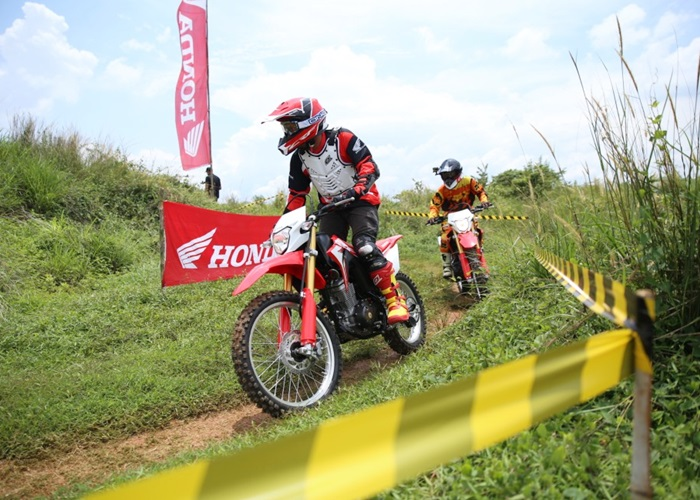 All New Honda CRF150L Extreme Red Targetkan 35.000 Unit Per Tahun