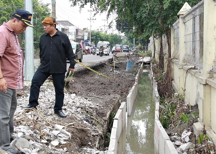 Dewan Peringatkan Sanksi Kontraktor Proyek Drainase di Solo