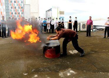Aston Solo Hotel Adakan Pelatihan Simulasi Kebakaran