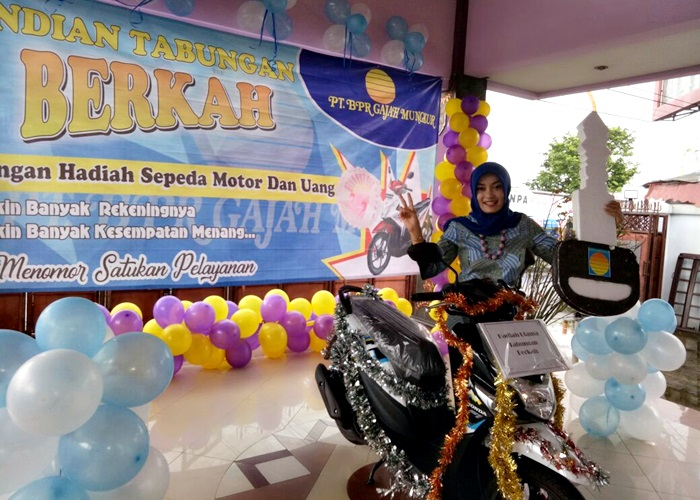 Berkah BPR Gajah Mungkur Berhadiah Sepeda Motor