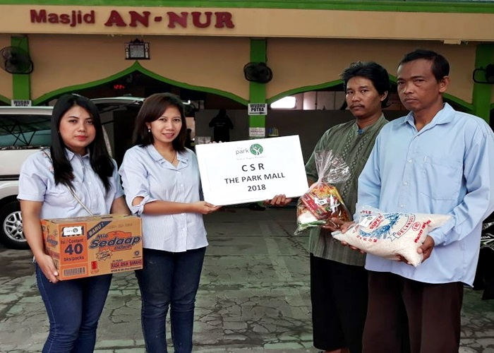 Berbagi Bersama CSR The Park Mall Solo Baru