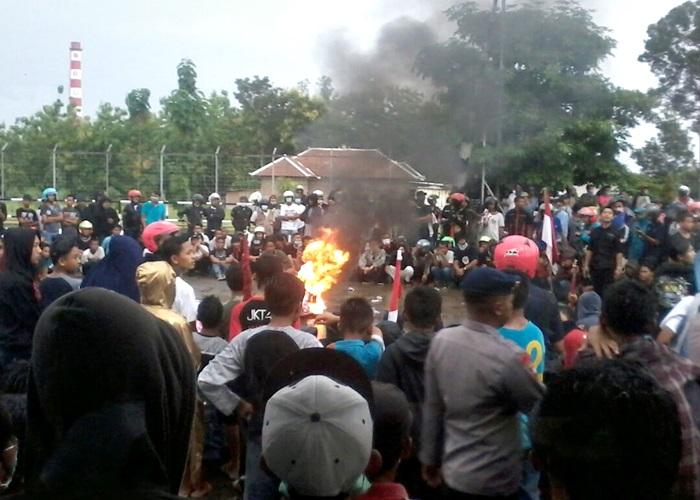 Ricuh, Demo Tuntut Penutupan PT RUM