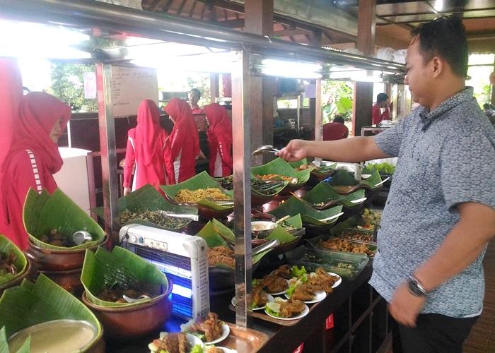 Dapur Solo Hj. Indrat Edupark Pilihan Ibu Bijak