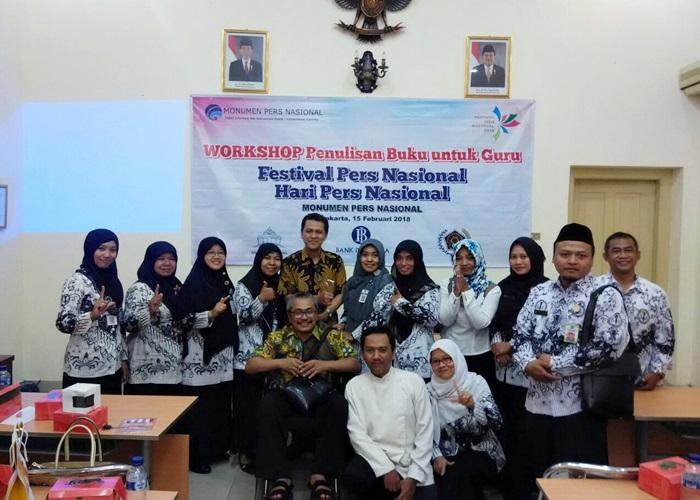 Antusias, Guru Ikuti Workshop Penulisan Buku di PWI Solo