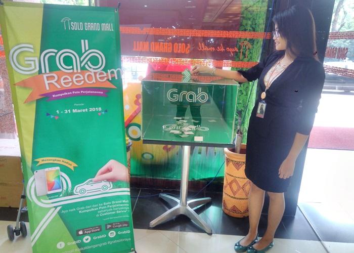 Nge-Grab ke Solo Grand Mall, Dapat 1 Unit HP