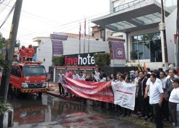 Tingkatkan Kenyamanan favehotel Solo Training Simulasi Kebakaran
