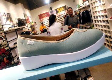 Wakai Luncurkan Sepatu Wedges Nyaman Bagi Perempuan
