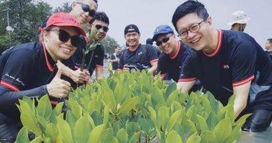 Bank DBS Indonesia Inisiasi Plant More, Pollute Less Sukarelawan DBS Tanam 1.650 Pohon Secara Massal di Bekasi