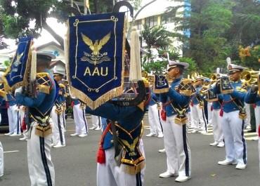 Atraksi Taruna AAU Warnai HUT TNI AU Di Solo
