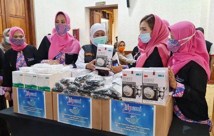 Ipemi Surakarta Serahkan Ribuan Masker, Cegah Penyebaran Covid-19 di Jatim