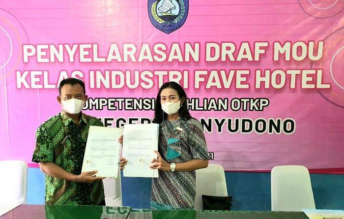 Peduli Pendidikan, favehotel Solo Tandatangani MOU bersama SMK N 1 Banyudono