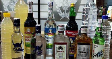 Bea Cukai Surakarta Tangkap Ribuan Botol Miras Ilegal